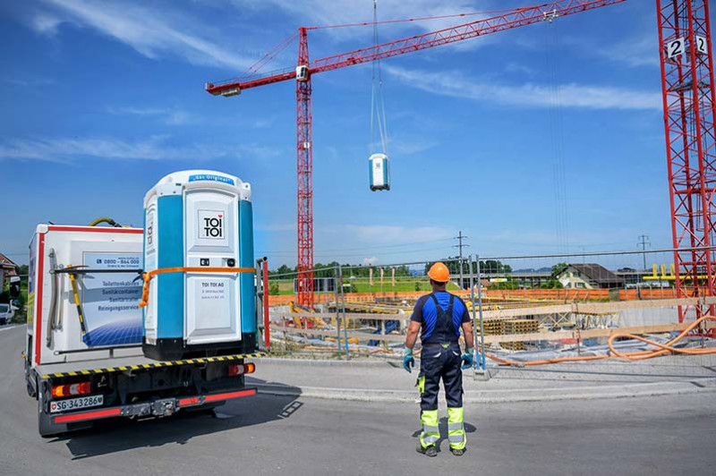media/image/CH-TOITOI-Toilettenkabinen-Lieferung.jpg
