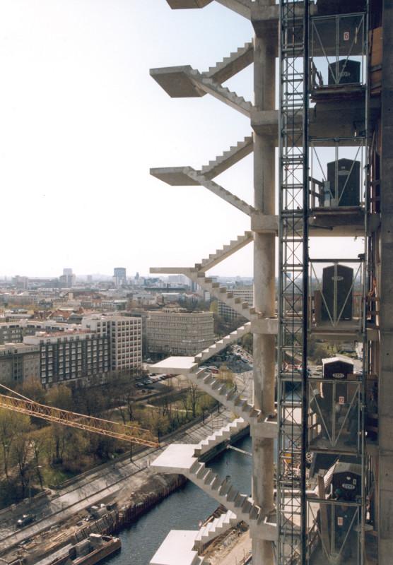 media/image/1986_DIXI_B_Potsdamer_Platz.jpg
