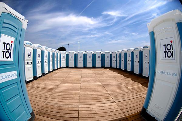 media/image/CH-TOITOI-Toilettenkabinen-Grossveranstaltungen.jpg